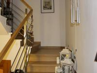 schodiště (Prodej domu v osobním vlastnictví 240 m², Olomouc)