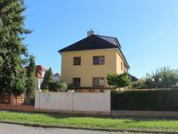 dům - pohled z Valdenské (Prodej domu v osobním vlastnictví 240 m², Olomouc)