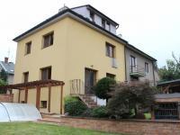pohled ze zahrady (Prodej domu v osobním vlastnictví 240 m², Olomouc)