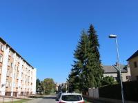 pohled z ulice Valdenská - dům je vpravo (Prodej domu v osobním vlastnictví 240 m², Olomouc)