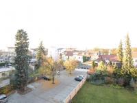 pohled do vnitrobloku (Pronájem bytu 3+kk v osobním vlastnictví 91 m², Pardubice)