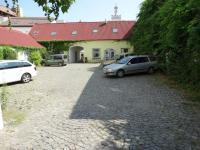 vnitroblok pro parking - Pronájem kancelářských prostor 36 m², Pardubice