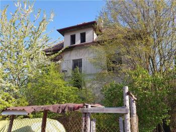 Prodej pozemku 28268 m², Přelouč