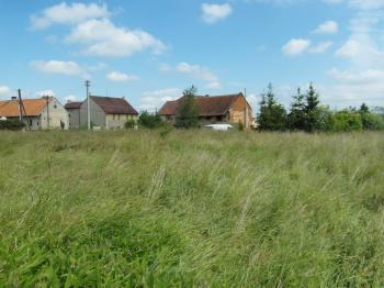 Prodej pozemku 899 m², Milostín