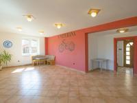 obchodní prostor v přízemí - Prodej domu v osobním vlastnictví 328 m², Voleč