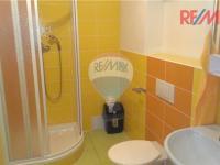 WC + koupelna ap. 1 (Prodej penzionu 1800 m², Vrbno pod Pradědem)