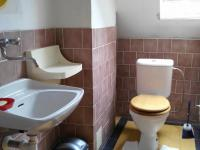 WC v podkroví - Prodej domu v osobním vlastnictví 150 m², Milotice nad Opavou