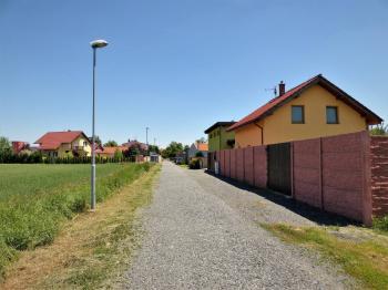 Prodej pozemku 1103 m², Svésedlice