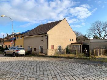 Prodej domu v osobním vlastnictví 196 m², Bukovany