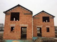 dům A - vlevo, dům B - vpravo (Prodej domu v osobním vlastnictví 115 m², Rousínov)