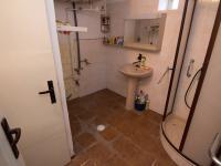Koupelna s WC (Prodej domu v osobním vlastnictví 169 m², Moravský Písek)