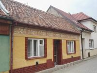 Pohled z ulice (Prodej domu v osobním vlastnictví 77 m², Hroznová Lhota)