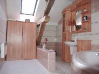 byt podkroví (Prodej domu v osobním vlastnictví 300 m², Břeclav)
