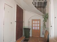 přízemí, vchod do bytů (Prodej domu v osobním vlastnictví 300 m², Břeclav)