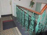 chodba (Prodej domu v osobním vlastnictví 300 m², Břeclav)