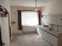 kuchyň (Prodej domu v osobním vlastnictví 470 m², Šanov)