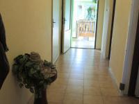 vstupní chodba (Prodej domu v osobním vlastnictví 250 m², Sedlec)