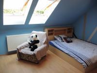 pokoj v podkroví (Prodej domu v osobním vlastnictví 250 m², Sedlec)