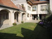 dvorek (Prodej domu v osobním vlastnictví 250 m², Sedlec)