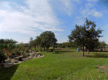 část zahrady  - Prodej pozemku 1520 m², Dolní Dunajovice