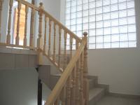 schody do 2.NP (Prodej komerčního objektu 1399 m², Břeclav)