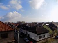 pohled z okna - Prodej bytu 2+1 v osobním vlastnictví 57 m², Hodonín