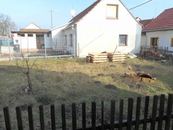Prodej pozemku 111 m², Hodějice