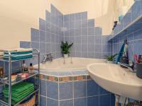 koupelna - Prodej bytu 4+1 v družstevním vlastnictví 76 m², Hodonín