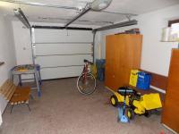 garáž v domě v suterénu - Prodej domu v osobním vlastnictví 250 m², Svatobořice-Mistřín