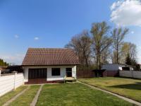 garáž na zahradě - Prodej domu v osobním vlastnictví 250 m², Svatobořice-Mistřín