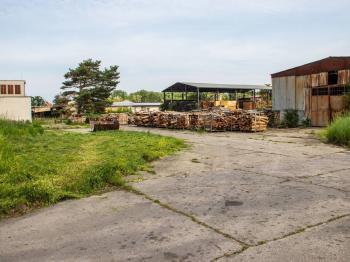 Zpevněná plocha - Pronájem komerčního objektu 19000 m², Veselí nad Moravou