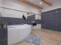 koupelna v přízemí - Prodej domu v osobním vlastnictví 253 m², Sobůlky