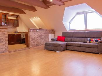 Prodej domu v osobním vlastnictví 186 m², Velké Bílovice