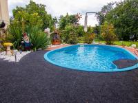 bazén s protiproudem - Prodej domu v osobním vlastnictví 250 m², Miroslav