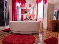 koupelna - Prodej domu v osobním vlastnictví 250 m², Miroslav