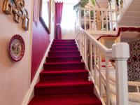 schody do podkroví - Prodej domu v osobním vlastnictví 250 m², Miroslav