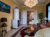 obývací pokoj s krbovými kamny - Prodej domu v osobním vlastnictví 250 m², Miroslav