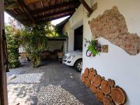 z garáže suchou nohou do domu - Prodej domu v osobním vlastnictví 250 m², Miroslav