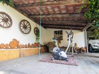 venkovní kout  - Prodej domu v osobním vlastnictví 250 m², Miroslav