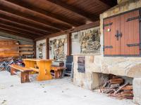 posezení, udírna, gril - Prodej domu v osobním vlastnictví 186 m², Velké Bílovice