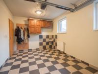 garáž - Prodej domu v osobním vlastnictví 186 m², Velké Bílovice