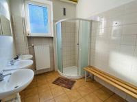 sprchy muži - Prodej komerčního objektu 2402 m², Hodonín
