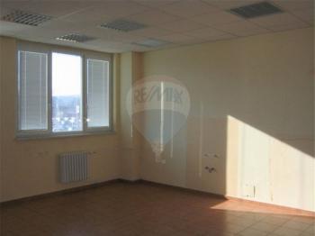 Kancelářské prostory. - Pronájem obchodních prostor 290 m², Králův Dvůr