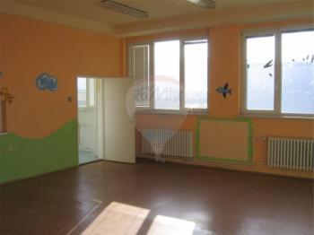 Kancelářské prostory. - Pronájem kancelářských prostor 580 m², Králův Dvůr