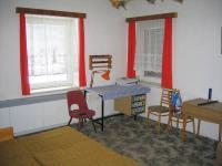 Pokoj zvýšené přízemí. (Prodej domu v osobním vlastnictví 273 m², Horní Maršov)