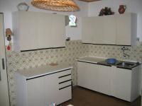 Kuchyň zvýšené přízemí. (Prodej domu v osobním vlastnictví 273 m², Horní Maršov)