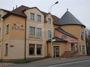 Hotel-restaurace. - Prodej hotelu 847 m², Beroun