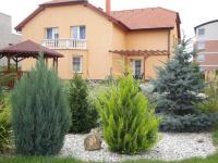 Prodej domu v osobním vlastnictví 350 m², Praha 4 - Újezd