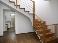 Schodiště  (Prodej domu v osobním vlastnictví 258 m², Rožmitál pod Třemšínem)