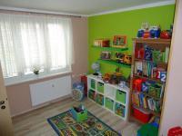 Dětský pokoj. (Prodej bytu 4+1 v osobním vlastnictví 73 m², Příbram)